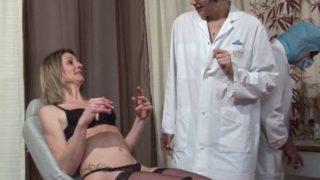 française sexy defoncée lors d'une visite medicale