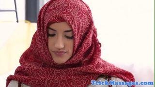 belle arabe enculée lors d'un massage