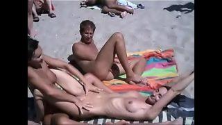 sexe sur une plage naturiste au cap d'agde