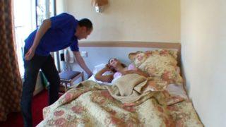 femme enceinte sodomisée par son epoux à l'hotel