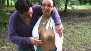 sexe au Havre en pleine nature avec une maman